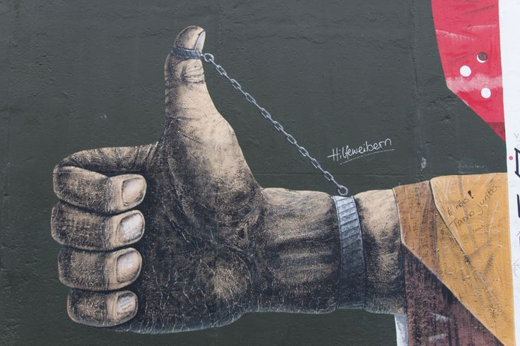East side gallery Berlin 2014, thumbs up.