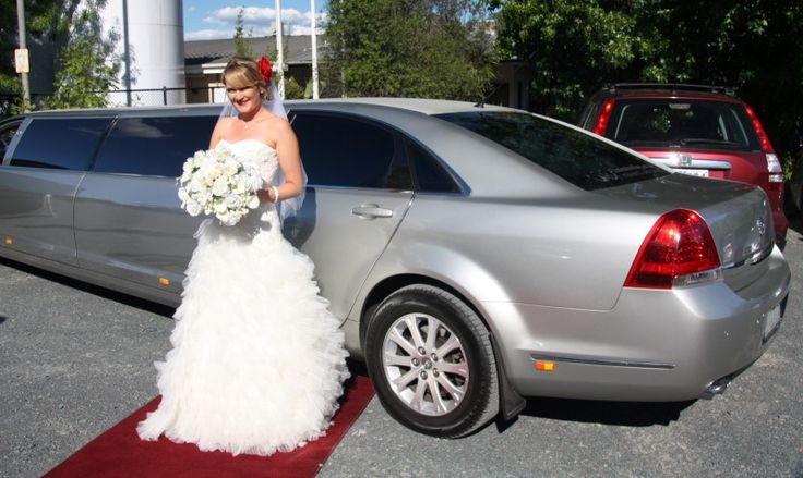 """Make your wedding day as radiant as in your imagination with """"Limousine King"""" Wedding Cars for Hire in Melbourne"""