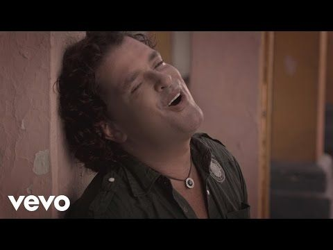 Carlos Vives - Al Filo de Tu Amor (Official Video) - YouTube