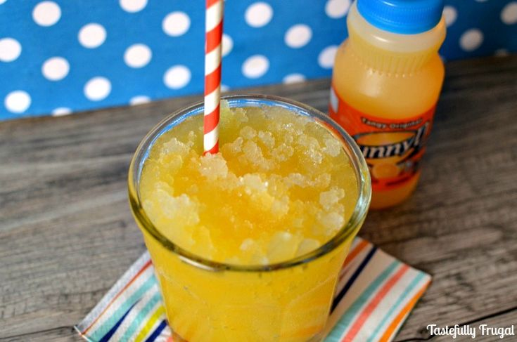 Tangy Citrus Sunny D Slush: This sweet treat is sure to keep you cool this summer! #WhereFunBegins #CollectiveBias #ad