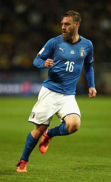 Daniele De Rossi of Italy in action during the FIFA 2018 World Cup Qualifier Play-Off: First Leg between Sweden and Italy at Friends arena on November 10, 2017 in Solna, Sweden. - 85 of 126