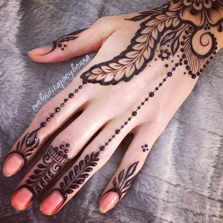Simple henna hands