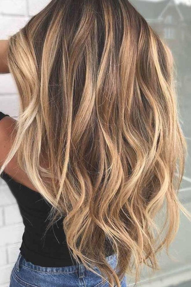 Blondes in haar strähnen dunkle Blonde haare