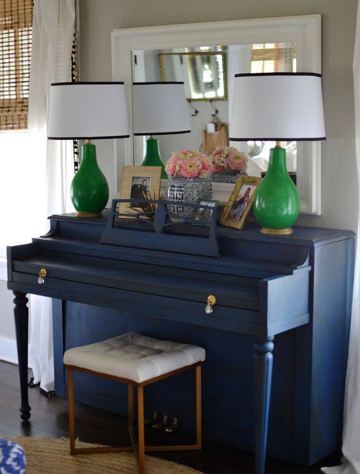 Holly from Love The Tompkins blog painted her piano in Napoleonic Blue – a colour I've been using a lot recently! For more pictures of this Chalk | Chalk Painted Piano Makeover | http://lovethetompkins.com