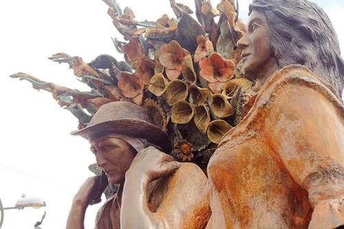 Santa Helena - Estatua de Silleteros