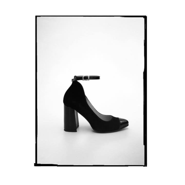  SALE  DESCUENTO  Zapatos Z4027 de tacón banana en cuero ante. Disponibles en nuestras tiendas: Parque La Colina, Unicentro, Santafé,Palatino,Titán Plaza, Gran Estación, Salitre Plaza y tienda online: https://bit.ly/2Zapatos4027 envió GRATIS para todo Colombia. #marruecos1986 #purocuero #realleather #handmade #hechoamano #fashion #heels #fashionable #style #stylish #shoes #shoeaddict #shoesoftheday #shoelover #fashionblogger #fashionpost #fashiongram #fashionlover #fashiondesigner…