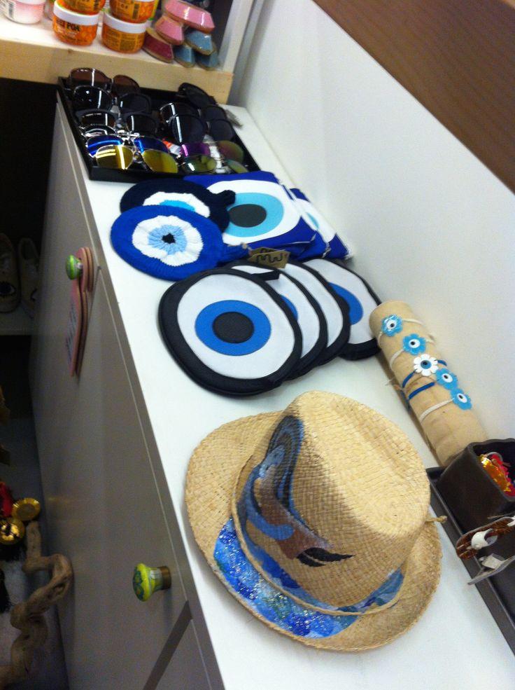 eyes & hats