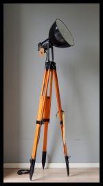rikus75New stock, Mooie Industriële vloerlamp, fraaie emaille Bauhaus lamp op…