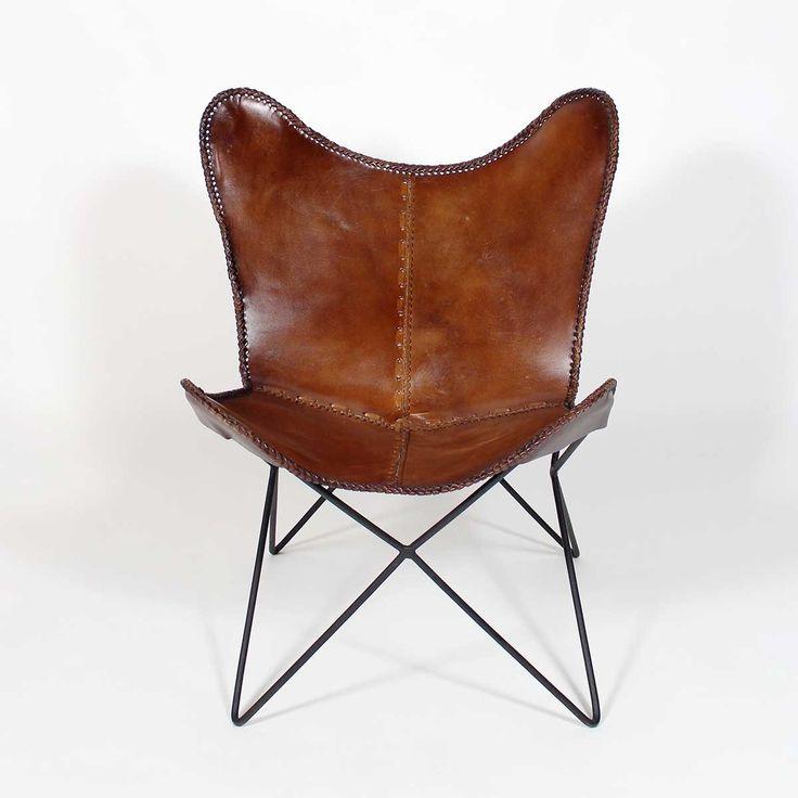 Magnifique fauteuil style industriel en cuir marron, assise « hamac ». Son textile souple et robuste est d'une qualité qui va vous bluffer ! Il se mariera parfaitement avec un intérieur type « loft industriel » ou ethnique, à proximité d'un meuble en bois ou en métal. Vous allez adorer les matériaux bruts de fauteuil de caractère ainsi que les détails de couture qui crée une allure authentique au meuble.