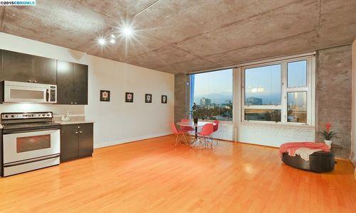 311 Oak #805 Oakland Just Sold!