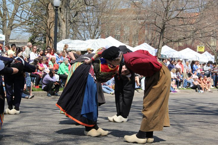 Holland Tulip Festival Dutch Dancers 2015