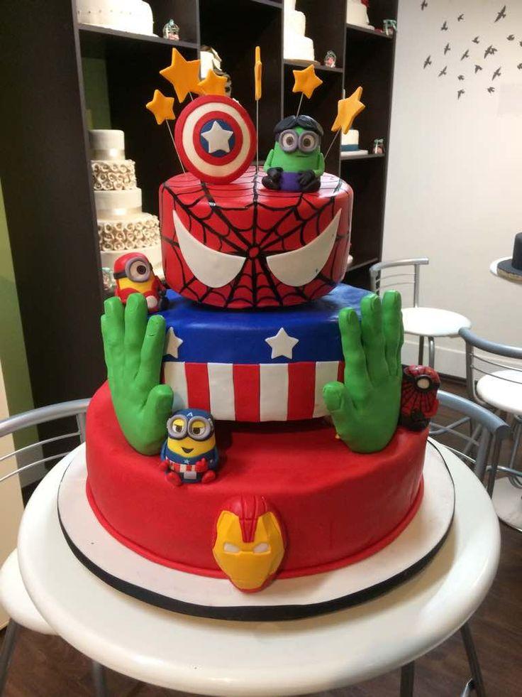 #AvengersCake Pastel superheroes Pastel de Avengers Fondant Cake House
