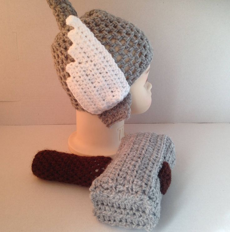 Crochet Thor hat and hammer, hat with wings and hammer, hammer & hat crochet set, novelty, Marvel, baby shower, photo prop, fancy dress by MummysLittleGemUK on Etsy