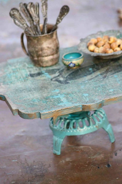Woodland Keepers Cake Stand by Patina Vie - $58.00 »    What a shabby chic find. It has a vintage, distressed wood look with a hint of gold, and that pop of robin's egg turquoise is just lovely.