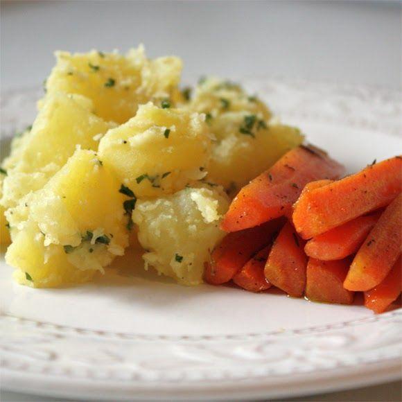 """Vor Kurzem habe ich in einer Folge von """"Jamies 30 Minuten Menüs""""  ein Gericht namens """"Quetschkartoffeln"""" gesehen. Dort serviert er, als ..."""