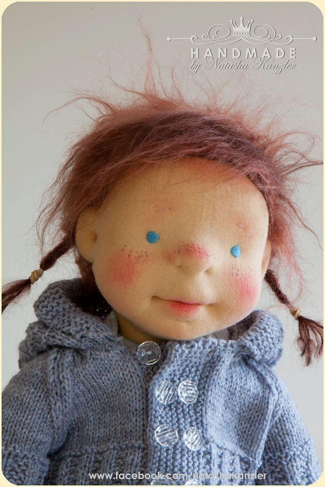 Sorry, wordt Olivia verkocht aan een andere resource...  Olivia is de tweede pop uit mijn nieuwe VIP peuters poppen collectie. Ze heeft verhoudingen van 2 y.o. kind. Ze is een beetje gewogen, ze heeft vilten gezicht, Gevilte lichaam en gevilte benen. Haar pruik gemaakt van mohair, het is de bruine kleur en zeer zacht. Ze is gekleed in hand gebreid patroon, double breasted hooded vest, elastiek in de taille broek van gebreide stof, wollen muts en slofjes, ook korte mouw all-in-ones voor een…