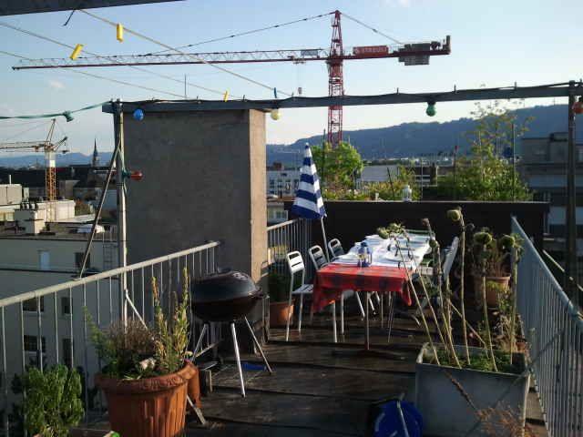 2013-08-17 Hopping Dinner Zürich - Und weiter zum Hauptgang und raus auf die nächste Dachterrasse :-)