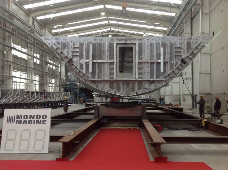 April 4th, 2014 - M60 | Mondo Marine laid the keel of its first 60m.