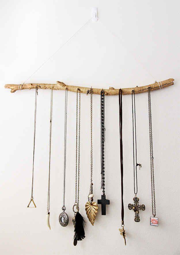 Wooden Jewelry Holder | 41 Amazing Free People-Inspired DIYs