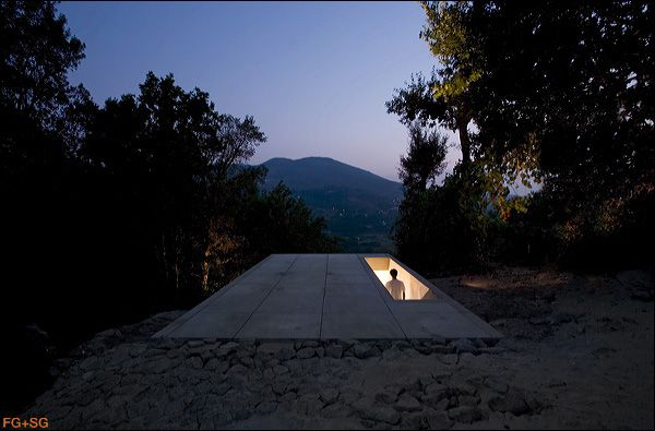 "entrance to the ""Tolo House"" by Alvaro Leite Siza, in Lugar das Carvalhinhas, Portugal."