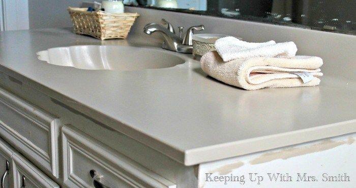 Here's how I repainted an ugly bathroom countertop using Rustoleum's Countertop Coating.