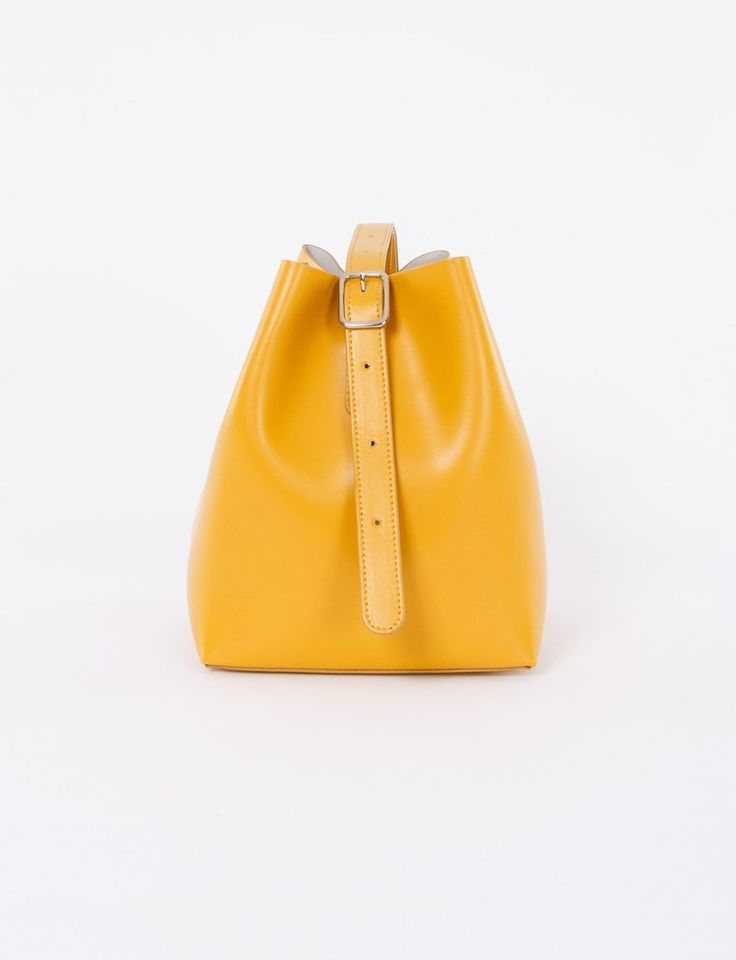 Apple Bag Small Calf Leather – Creatures of Comfort