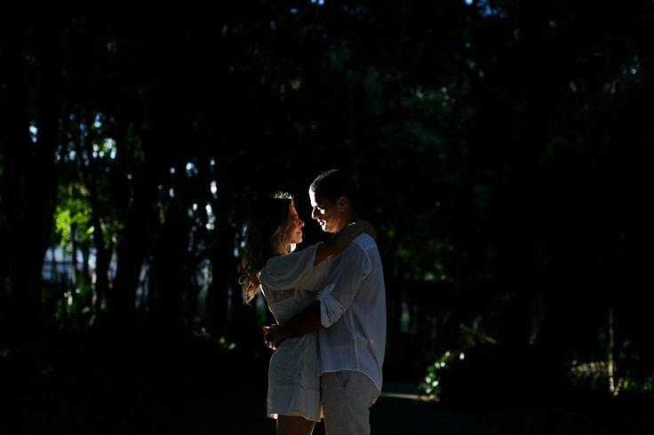 Fotografo Cheng NV curitiba. foto de ensaio de noivos no parque.