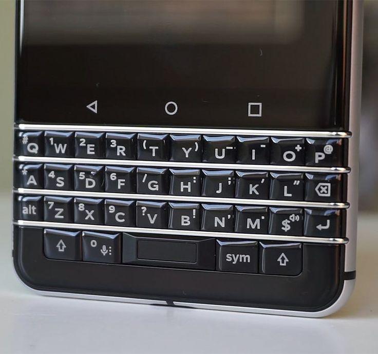 #inst10 #ReGram @marccecases: #BlackBerry KEYone piensa diferente. Te gustaría disfrutar de un teclado QWERTY físico? #Tecnologia #tech #technology #movies #Gadget #geek #device #youtuber #blogger #telefonia #telecom #Blackberry #blackberrykeyone