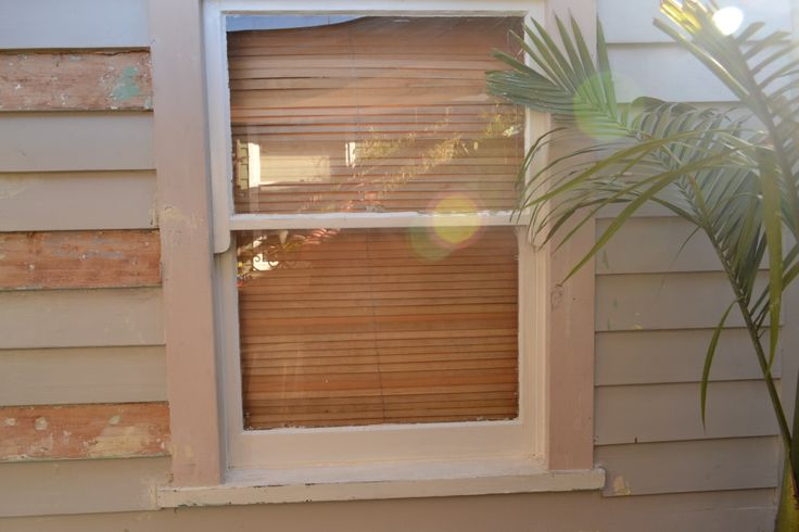 I replaced window frame as it was very rotten at the bottom.
