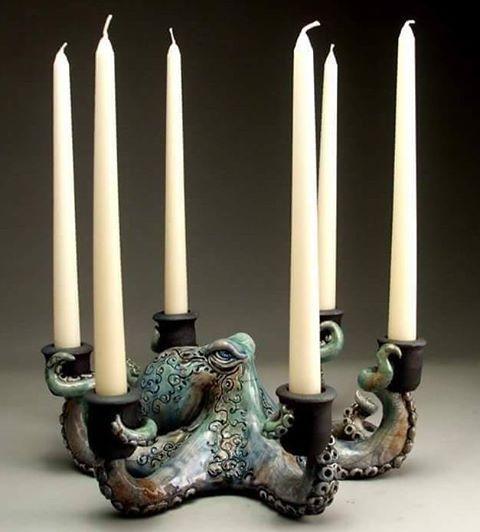 Très étrange et interpellant... Juste une touche dans une pièce épurée...  Octopus Candelabra