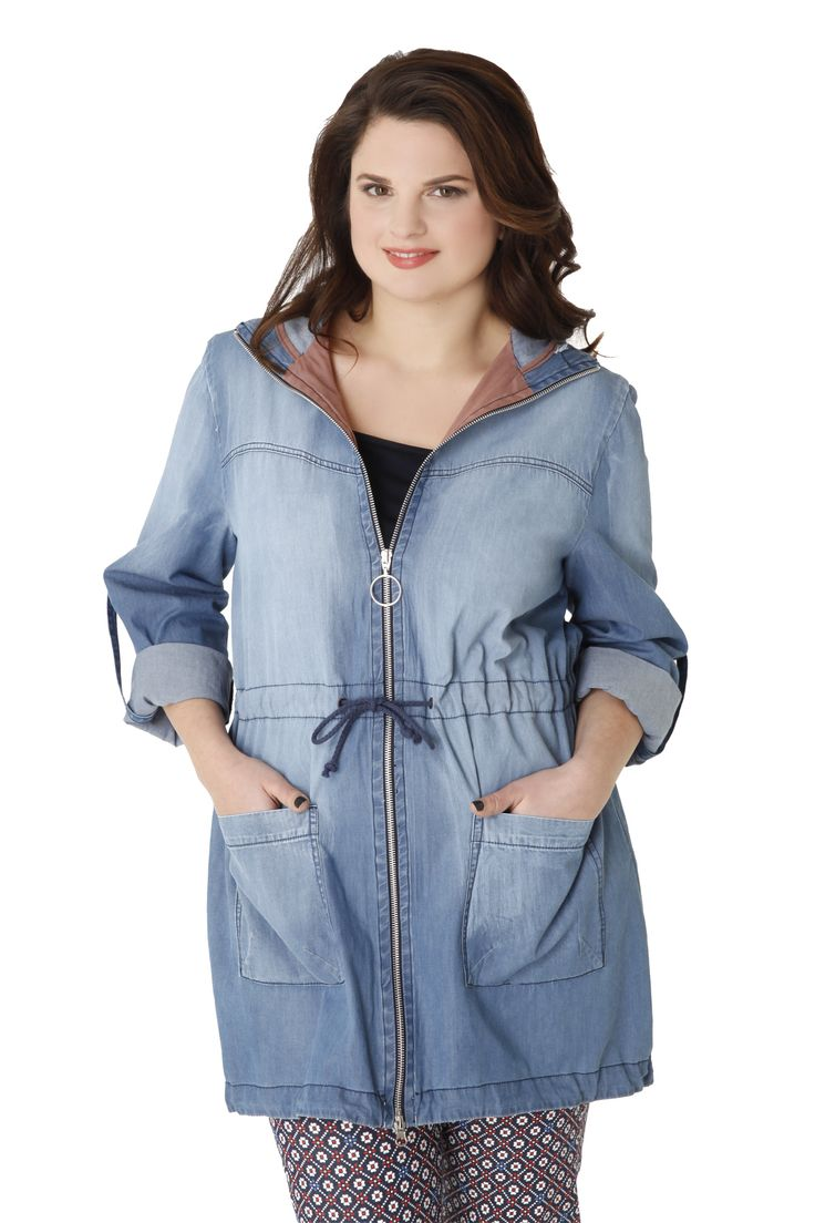Denim trenchcoat made of 100% cotton in a straight line with a hoody and pockets. It reaches halfway down the thigh and it has a drawstring at the waist. A modern and lightweight overcoat, ideal for every hour of the day and ideal for many different matches!