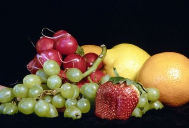 Alpha-hydroxy Acid (AHA) fruit acid skin care products are easy to make at home.