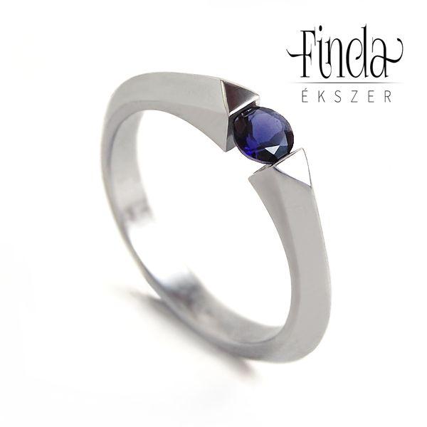 Bridge nemesacél gyűrű kék zafírral ⋆ Finda Ékszer