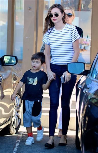 Miranda Kerr is spotted with her son Flynn at Sunlife Organics in Malibu, Calif., on Nov. 1, 2015.