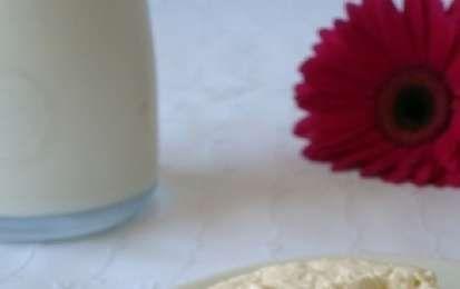 Crostini di rucola salsiccia e ricotta - Preparamo stamattina un antipasto che io adoro realizzato con il pane casereccio tostato ed una saporitissima cremina verde bianca e rossa che ricorda quasi i colori della bandiera italiana: i crostini di rucola salsiccia e ricotta.