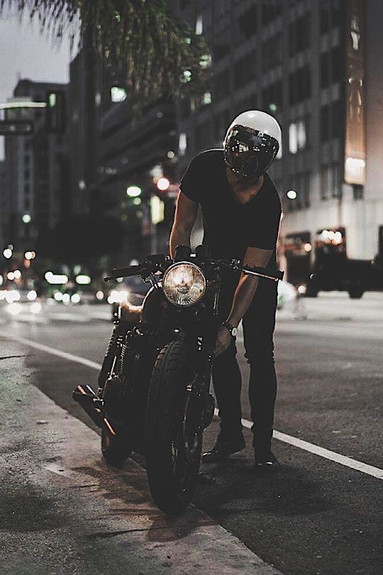 Hyper-Caine — thelavishsociety: Night Rider by Eric Steez #caferacerculture #motos | caferacerpasion.com