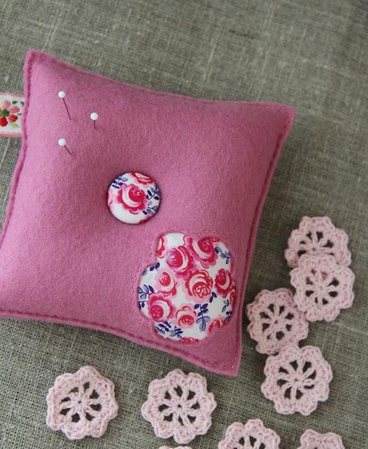 pincushion, maxi by Plushka's craft: Plushka Crafts, Maxi, Plushka Řemeslo, Handmade Crafts