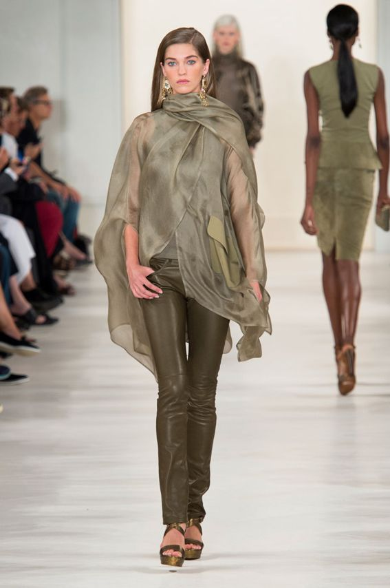 NY FW S/S 2015 Ralph Lauren Collection. See all fashion show at: http://www.bookmoda.com/?p=29219 #spring #summer #ss #fashionweek #catwalk #fashionshow #womansfashion #woman #fashion #style #look #collection #NY #ralphlaurencollection @ralphlauren