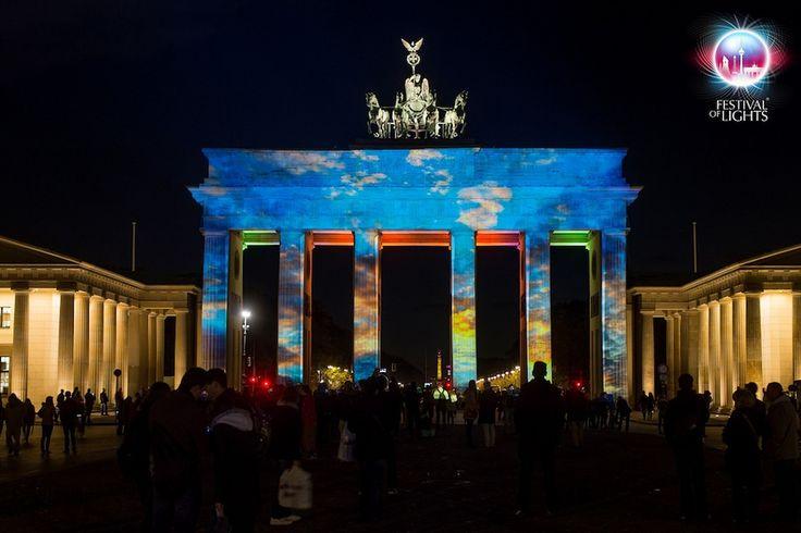 Le luci colorano #Berlino #festivaloflights