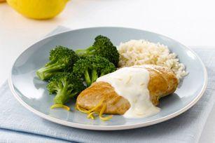 Poulet, brocoli et citron se complètent à merveille. Ce plat éclair est parfait pour les soirs de semaine, mais convient aussi aux réceptions!
