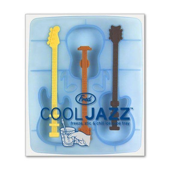 Foremki do kostek lodu w kształcie gitary to coś dla wielbicieli muzyki.