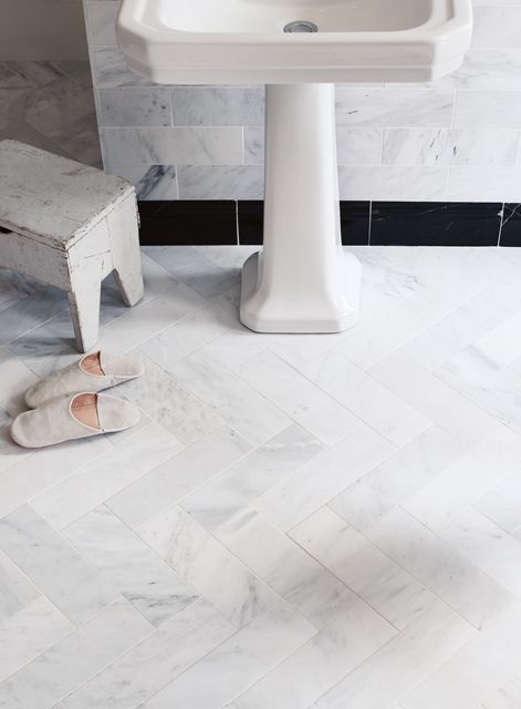 East Hampton marble tiles on wall and floor (Fitzrovia basin and pedestal) http://www.firedearth.com/tiles/range/east-hampton-marble/mode/grid