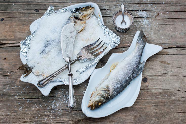 Gordon Ramsay prepară pește în crustă de sare – Video | Culinar, Mancaruri, Preparate din peste si fructe de mare, Retete culinare | Avantaje.ro - De 20 de ani pretuieste femei ca tine