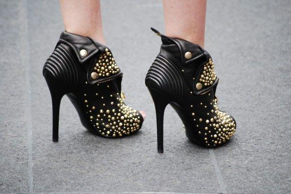 studded booties / Alexander McQueen: Shoes, Alexander Mcqueen, Spikes, Biker Jackets, Studs Heels, Ankle Boots, Black Heels, Black Gold, Leather Jackets