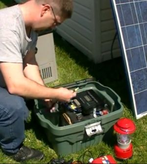 How To Make Solar Battery Box For Camping Or Survival With Enough Power To Run A Portable Fridge 4-5 Days! http://www.thegoodsurvivalist.com/how-to-make-solar-battery-box-for-camping-or-survival-with-enough-power-to-run-a-portable-fridge-4-5-days/ #thegoodsurvivalist #solar