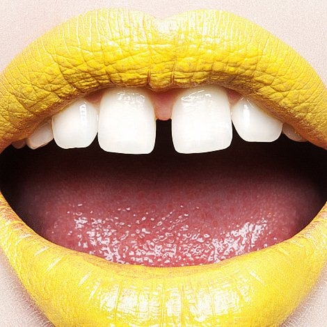 Say cheese with SpongeBob colored lipstick!