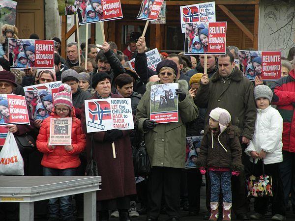 Nou protest de amploare la Cluj-Napoca pentru familia Bodnariu