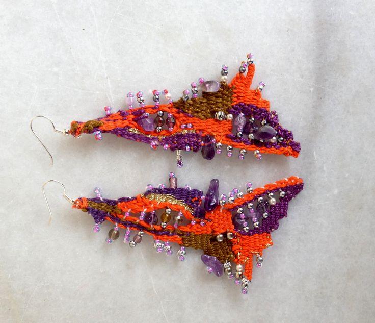Free needleweaving earrings.