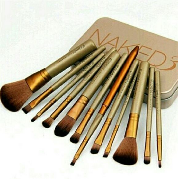 New Naked 3 Makeup brush set New Naked 3 Makeup brush set. Coming soon can take 3 to 4 weeks for delivery. Makeup Brushes & Tools