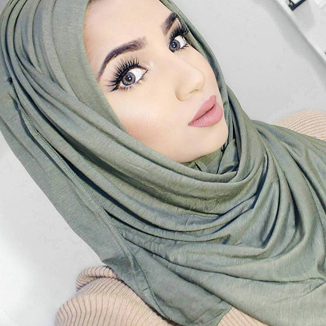 Check out my previous post to see how I style this Olive Jersey hijab from @voilechic